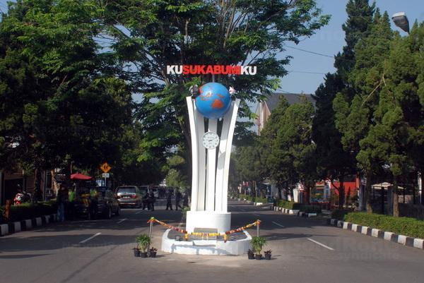 Daftar UMR, UMK Kota Dan Kabupaten Sukabumi